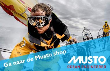 ga naar de Musto shop